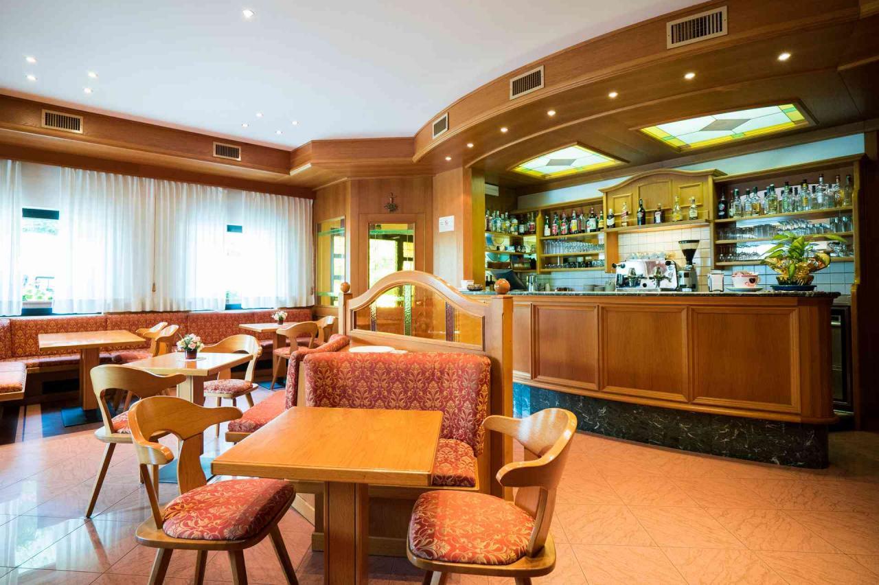 bar caderzone hotel rio 5