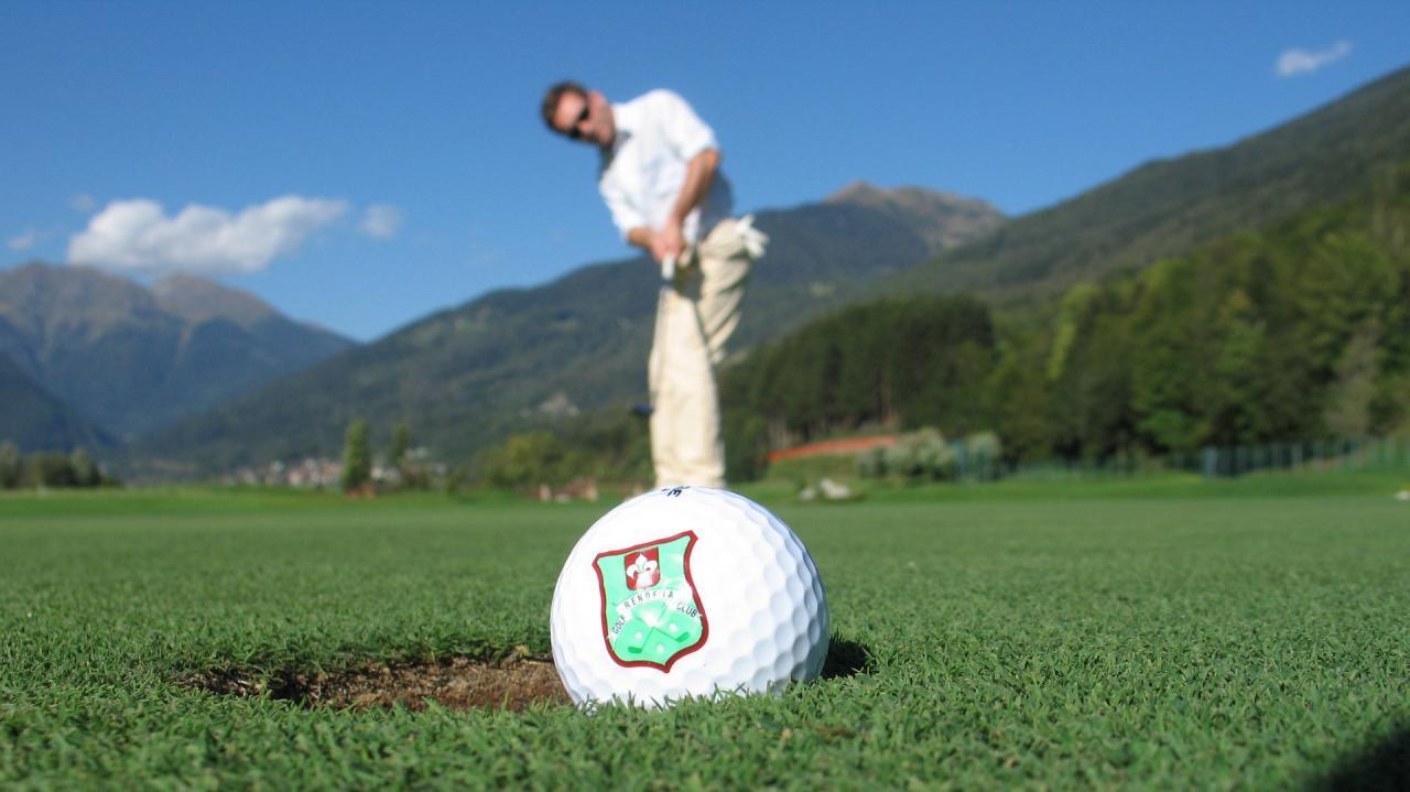 Gioca a Golf a Madonna di Campiglio Pinzolo Val Rendena