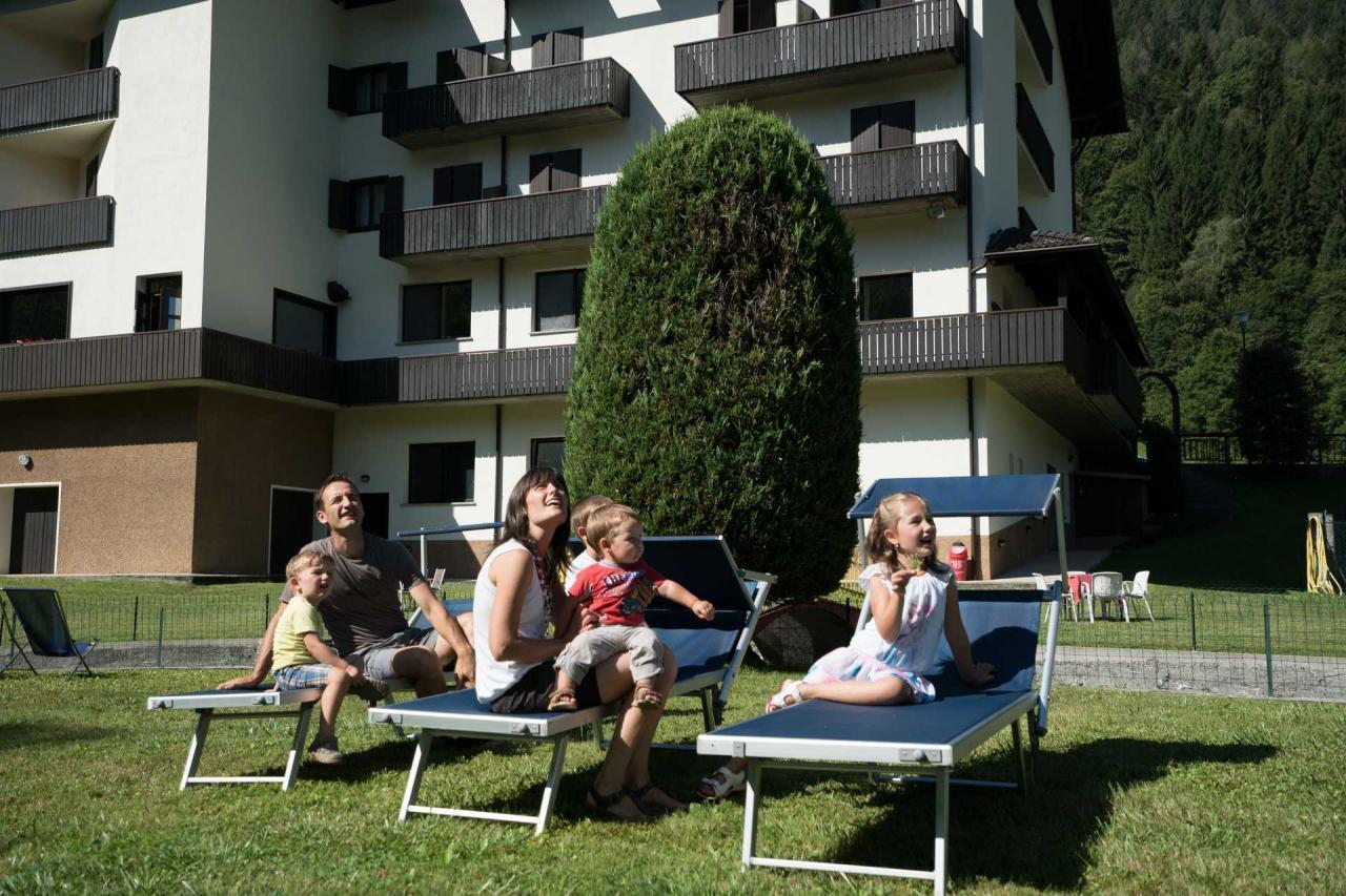 Hotel Rio con giardino a Caderzone